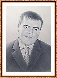 портрет черно-белый по фото в костюме и галстуке в технике сухая кисть